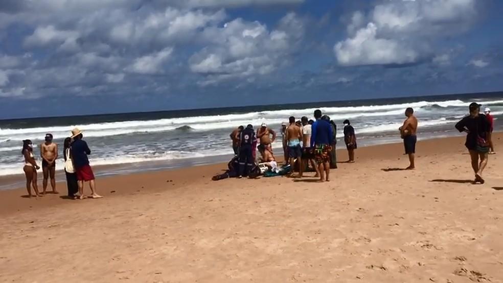 Camaçari: Mulher morre afogada na praia de Barra do Jacuípe 2
