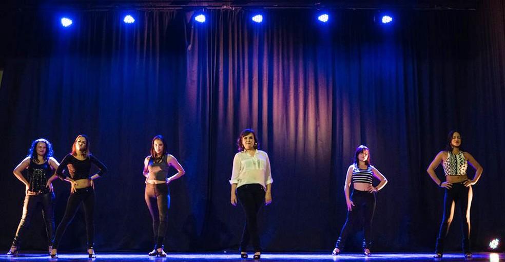 Empoderamento é principal benefício que Cynthia encontrou na dança (Foto: Matheus Machado/Divulgação)