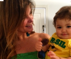Cristiana Oliveira e o neto, Miguel | Reprodução