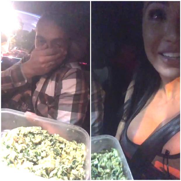Gracyanne Barbosa apreciando sua comida e Belo reclamando do cheiro (Foto: Reprodução/Instagram)