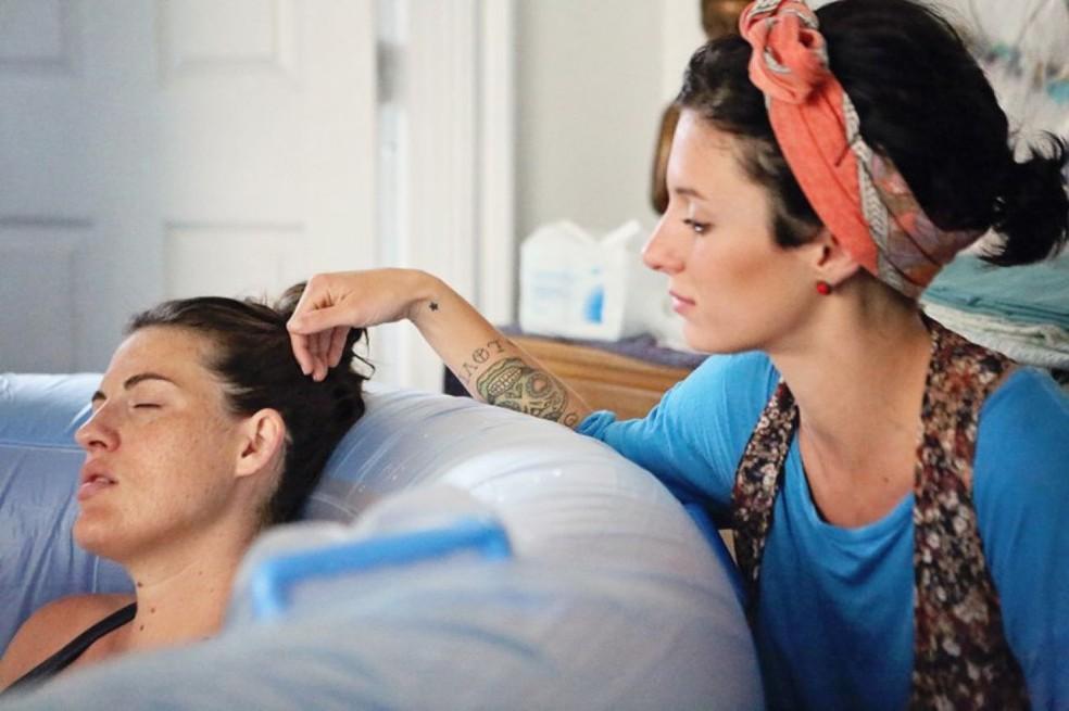 Hospitais devem permitir que doulas acompanhem as gestantes durante o parto (Foto:  Fablício Rodrigues/ ALMT)