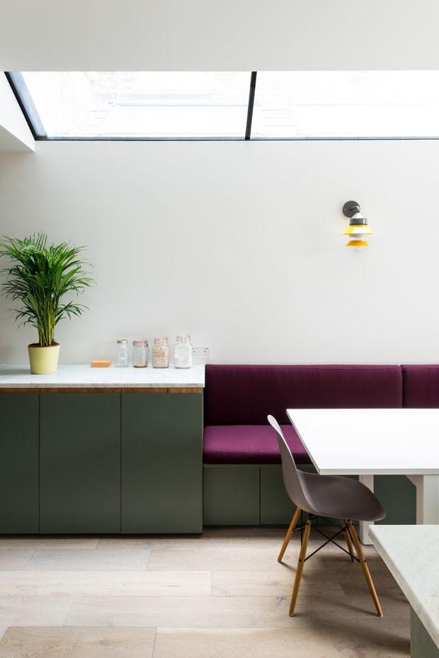 Décor do dia: sala de jantar integrada com toque lúdico (Foto: FRENCH + TYE/ DIVULGAÇÃO)