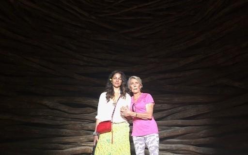 Camila Mc Conaughey abre álbum de aniversário da sogra comemorado na Turquia