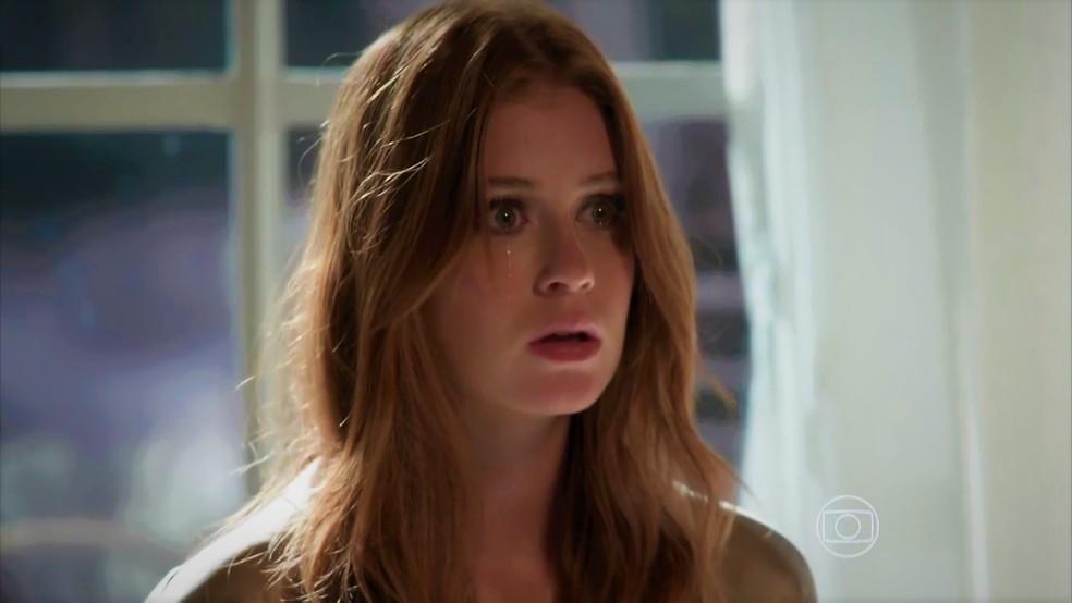 Eliza (Marina Ruy Barbosa) entra em pânico em 'Totalmente Demais' — Foto: TV Globo