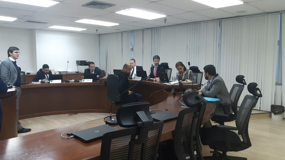 Felipe Melo, do Palmeiras, durante julgamento no STJD — Foto: Raphael Zarko