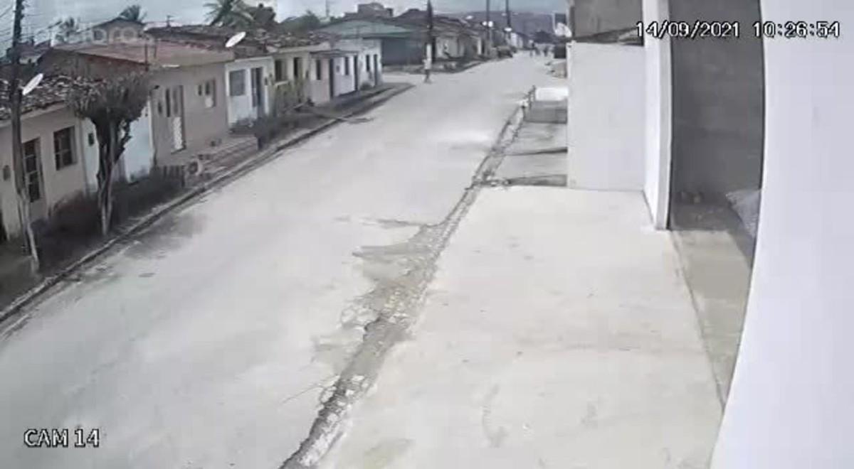 VÍDEO: Jovem é morto a tiros dentro de casa em União dos Palmares, AL