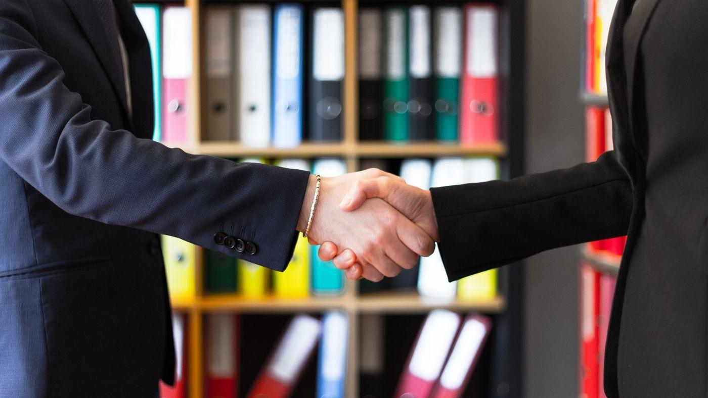Empresas buscam união para conseguir se fortalecer