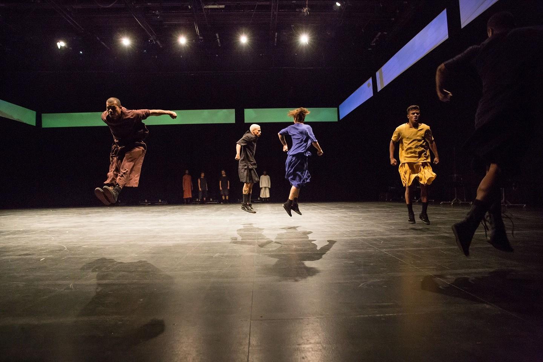 Coreógrafo premiado apresenta espetáculo de dança no Festival de Curitiba