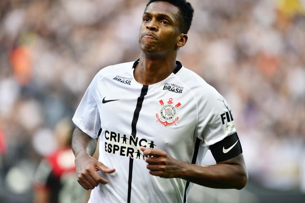 22693181e23 Jô iguala Ronaldo em gols pelo Corinthians e está perto de superar ...