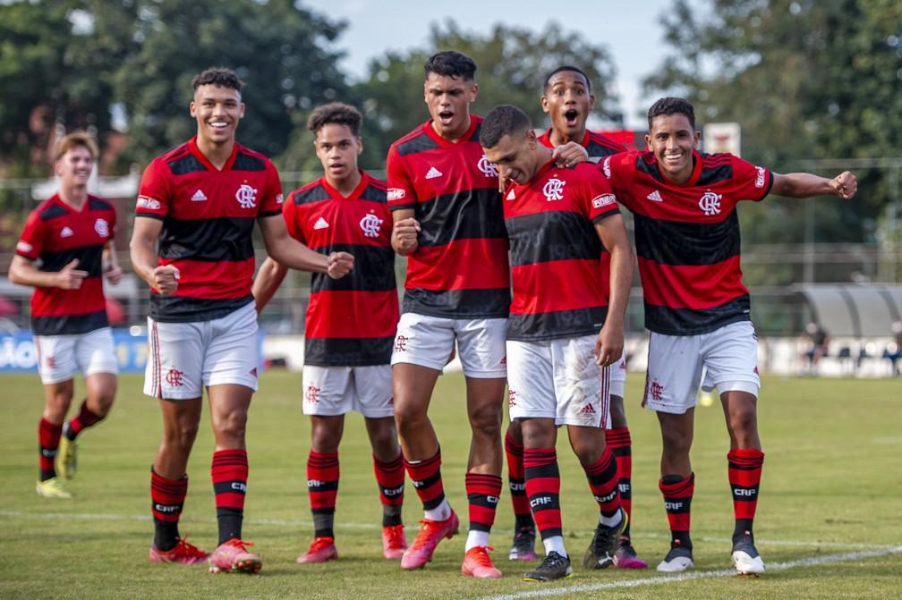 Jogadores do Flamengo comemoram gol na vitória por 6 a 2 sobre o Bahia — Foto: Marcelo Cortes / Flamengo