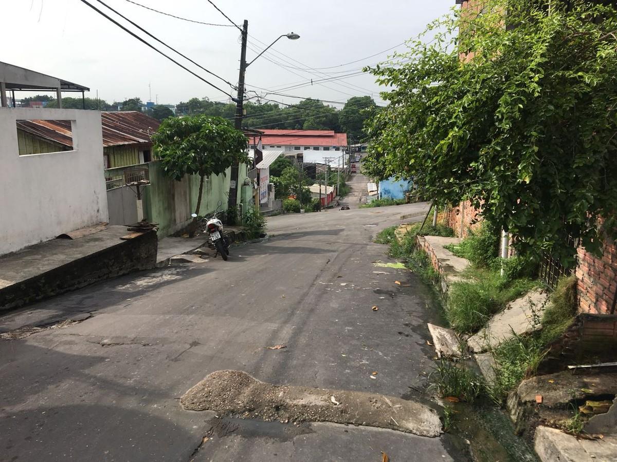 Suspeito de assaltos é baleado em troca de tiros com polícia em Manaus