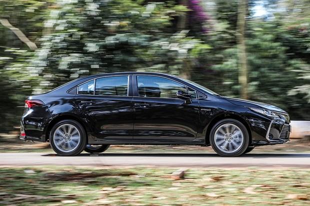 Novo Toyota Corolla híbrido faz mais de 16 km/l na cidade com etanol (Foto: Rafael Munhoz/Autoesporte)