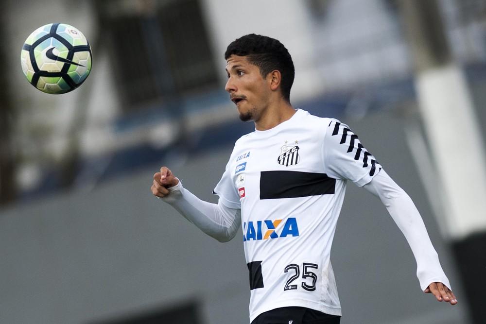 Após renovação, Santos inscreve Yuri no Paulistão; restam quatro vagas