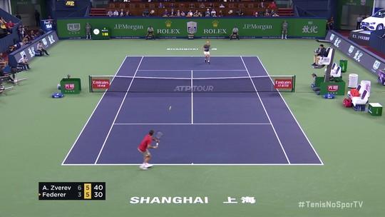 Alexander Zverev vence rali espetacular contra Roger Federer no Masters 1000 de Xangai