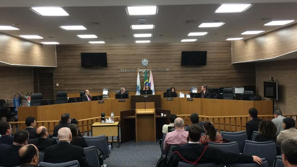 Julgamento do recurso de Garotinho e Álvaro Lins foi nesta terça, no TRF-2 (Foto: Matheus Rodrigues/G1)