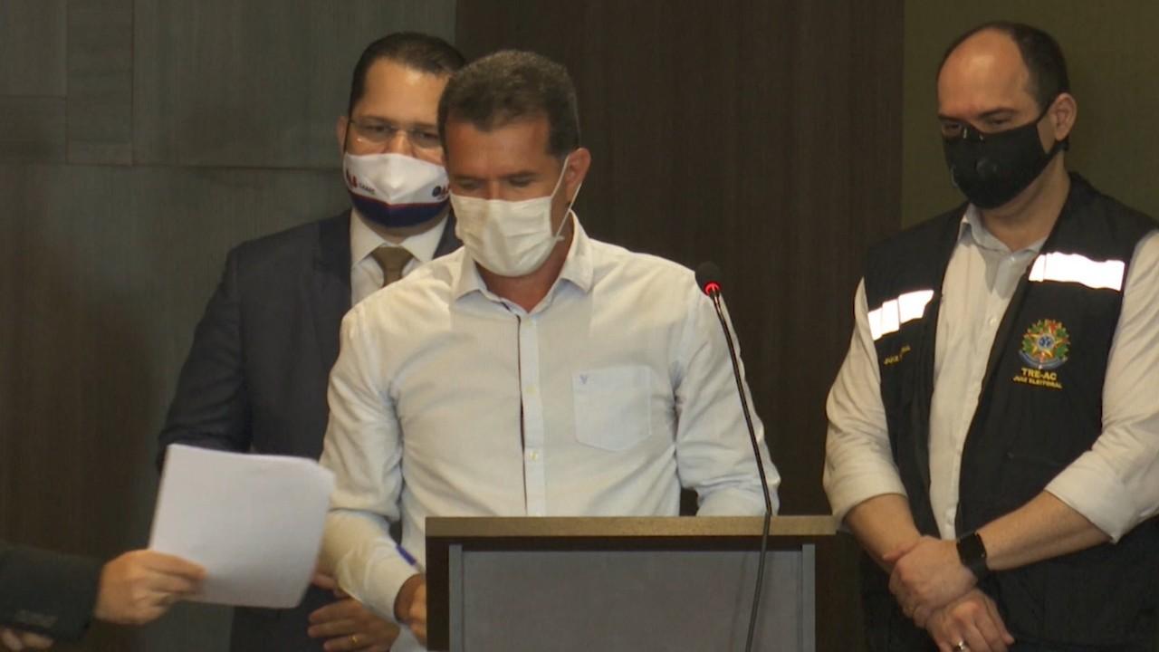 Candidato a prefeito Jarbas Soster fala sobre projetos de campanha e faz bandeiraço