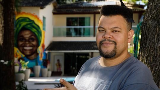 Na estreia do 'Em Casa com Babu', Babu Santana fala sobre família: 'Afeto é uma ação que transforma'