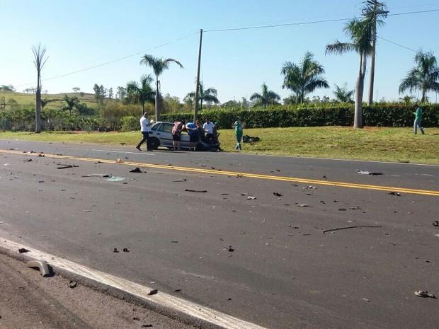 Acidente foi na Rodovia Comandante João Ribeiro de Barros (Foto: Visão Notícias/Divulgação)