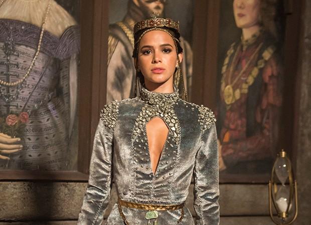 Catarina (Bruna Marquezine) será coroada rainha de Artena (Foto: Globo/Mauricio Fidalgo)