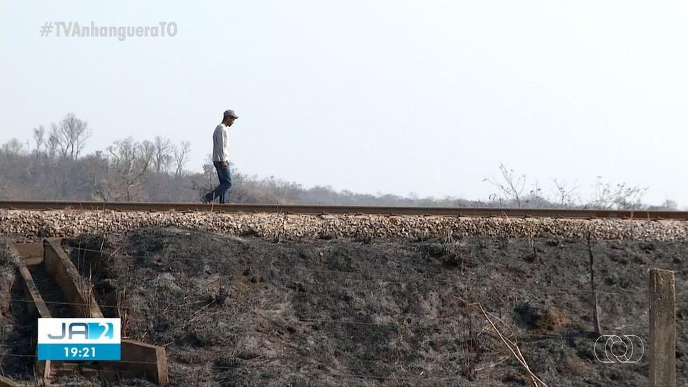 Testemunha afirma que chamas começaram durante manutenção em trilhos — Foto: Reprodução/TV Anhanguera