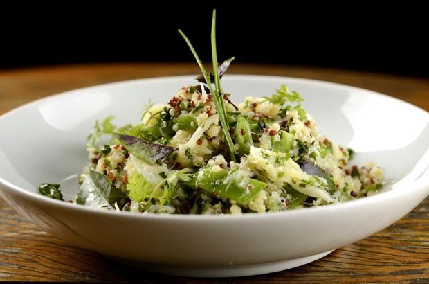 Salada de quinoa com siri temperado: receita com a cara do verão! (Foto: Divulgação)