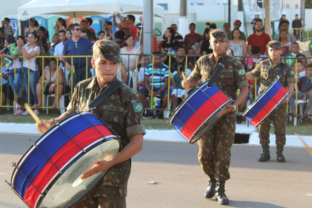 Banda do Exército se apresentou no defile cívico-militar de Porto Velho — Foto: Diêgo Holanda/G1