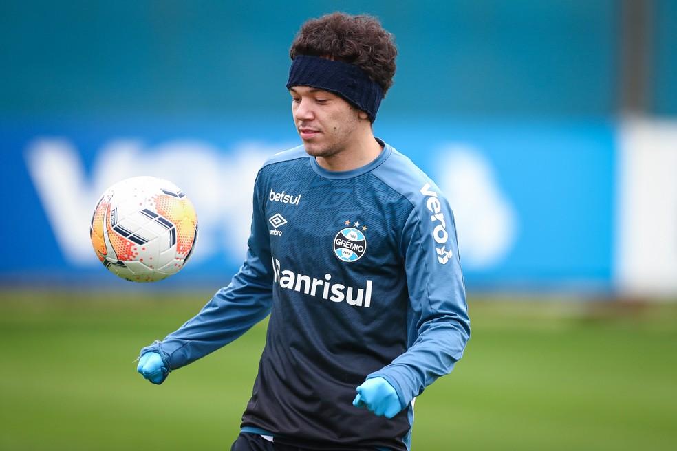 Pepê em treino do Grêmio — Foto: Lucas Uebel/Grêmio