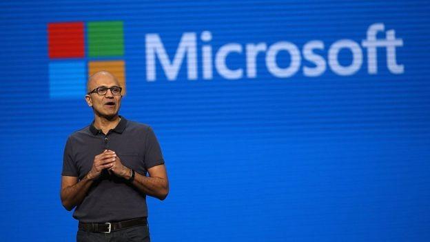 Empresas como Microsoft têm defendido a entrada de imigrantes nos EUA (Foto: Getty Images via BBC News Brasil)