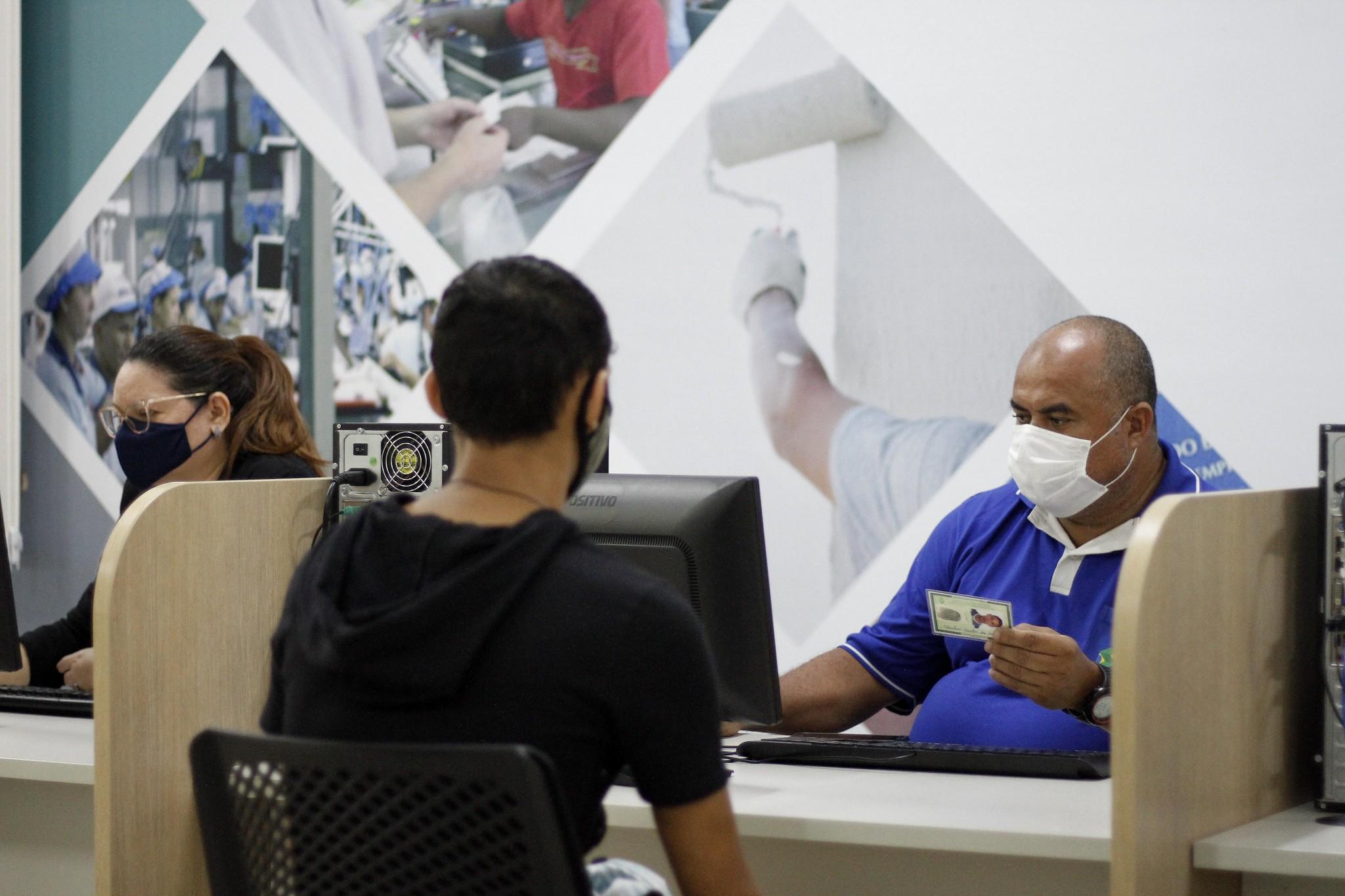 163 vagas de emprego são ofertadas pelo Sine Manaus nesta sexta (24); veja cargos