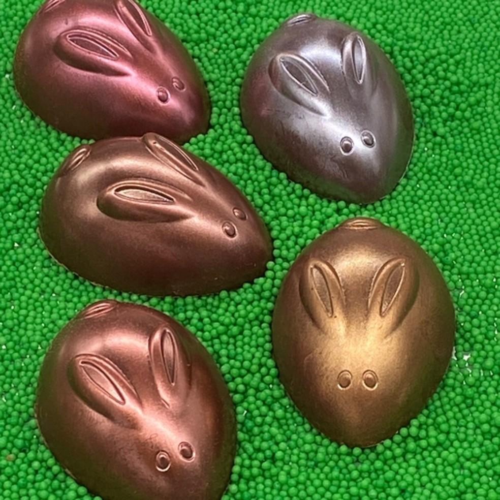 Coelhos de chocolate metalizados  — Foto: Reprodução