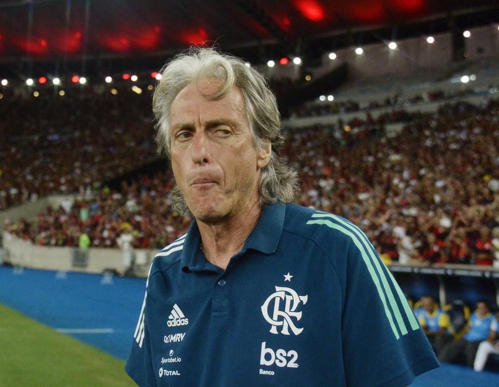 Jorge Jesus, do Flamengo, contra o Independiente del Valle — Foto: André Durão/GloboEsporte.com