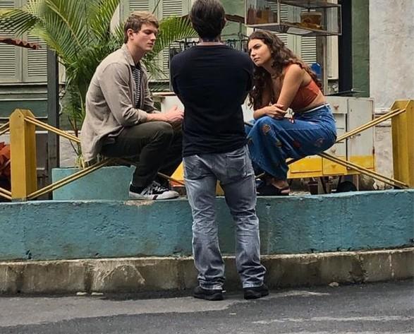 Pedro Novaes e Alanis Guillen são dirigidos por Adriano Melo (Foto: TV Globo)