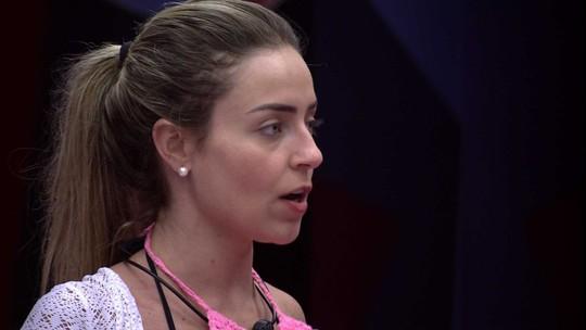 Paula avisa Elana: 'Sei que você começaria a votar em mim'