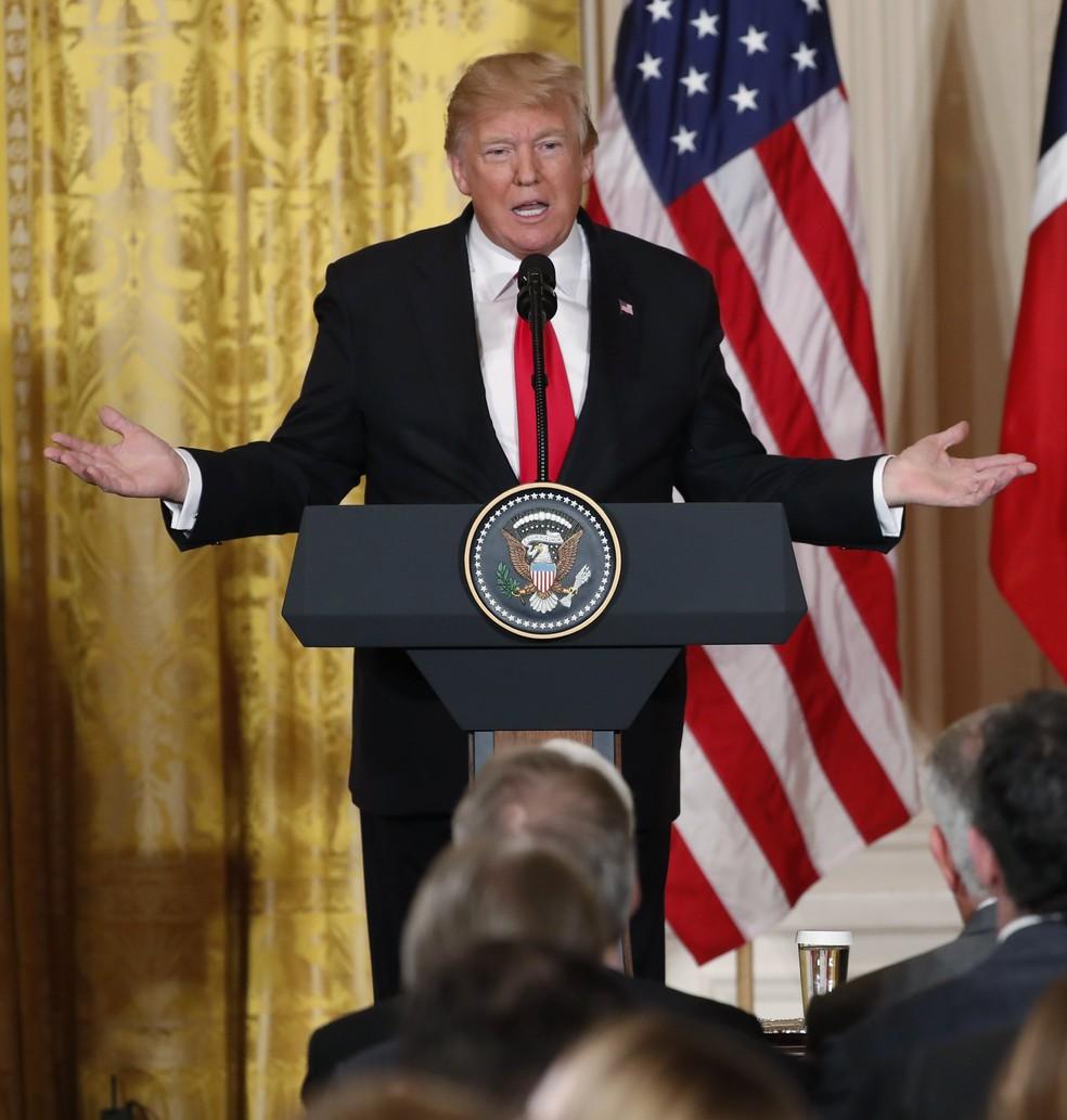 Trump concede entrevista coletiva com a primeira-ministra norueguesa nesta quarta-feira (10) (Foto: Reuters/Jonathan Ernst)