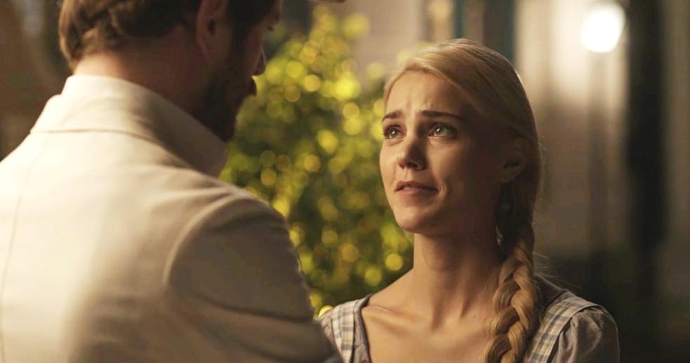 Jane ama Camilo e o perdoa. Muito fofos! ? (Foto: TV Globo)