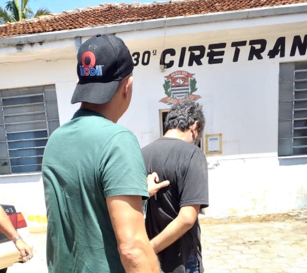 Homem foi preso suspeito de matar ex com mais de 20 facadas em Itaporanga (SP) — Foto: Polícia Civil/Divulgação
