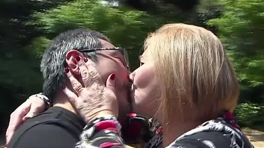 Relembre história de marido e mulher casados há 13 anos que nunca tinham se visto pessoalmente