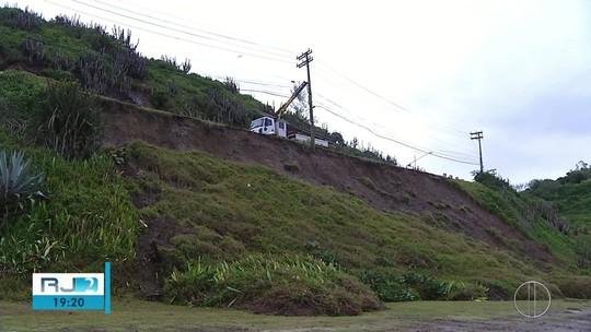 DER libera RJ-140, no acesso a Arraial do Cabo, e Prefeitura implanta 'pare e siga'