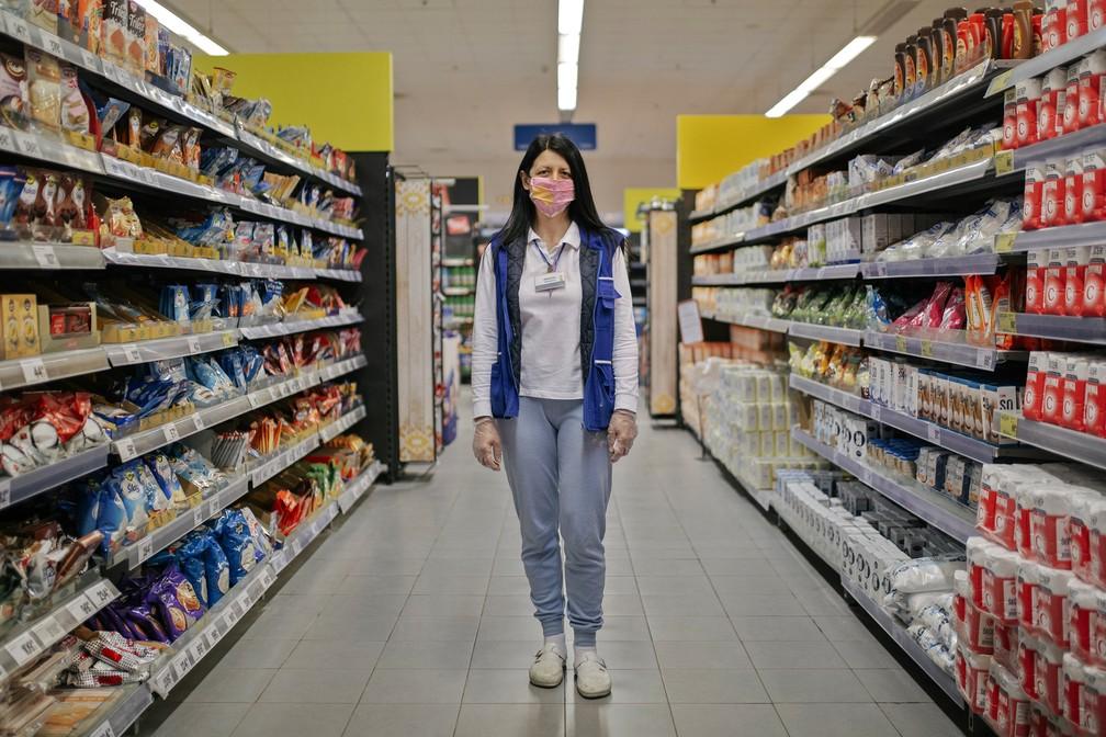 serbia health virus mayday photo essay 000 1qs37p vladimir zivojinovic afp - The Definition of an Essential Worker