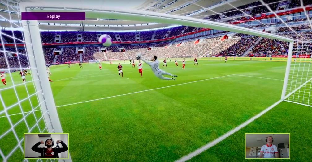 Com sua versão digital, Gabigol marca um golaço contra Bruno Fuchs — Foto: Reprodução