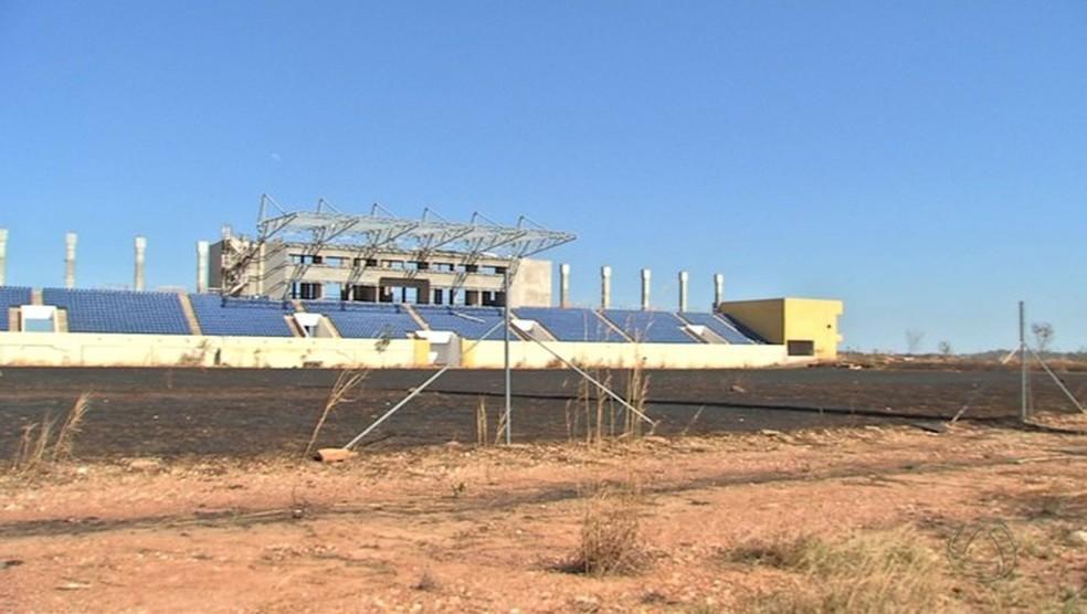 COT Barra do Pari está inacabado (Foto: Reprodução/TVCA) (Foto: Reprodução/TVCA)
