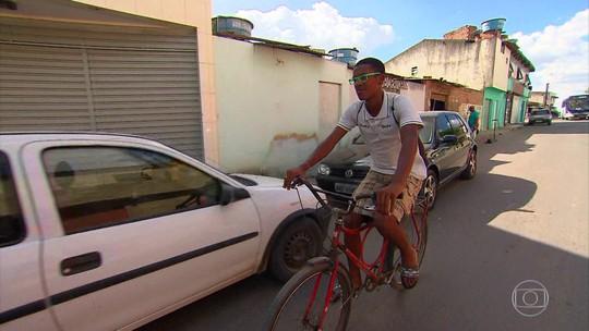 Sub-20 do Porto se une e doa bicicleta para lateral poder ir treinar