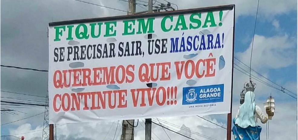 Prefeitura na PB alerta para a Covid-19 com faixas para consciencialização de moradores espalhadas na cidade — Foto: Reprodução/TV Cabo Branco