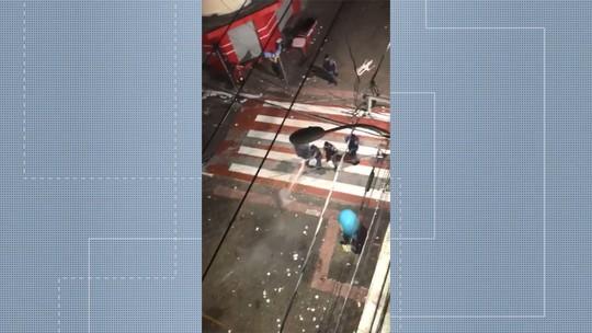 Centro de Vitória tem confronto entre PM e foliões na madrugada