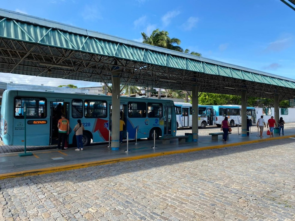 Terminal do Lagoa tem movimentação tranquila e ônibus funcionando normalmente no primeiro dia da greve dos motoristas e cobradores. — Foto: Isaac Macêdo/ SVM