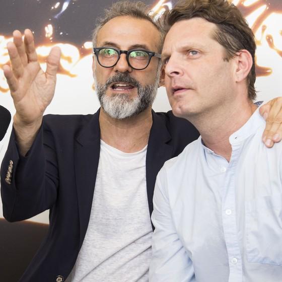 Os Chefs Massimo Bottura e David Hertz tocam a importante iniciativa  (Foto: Julia Assis)