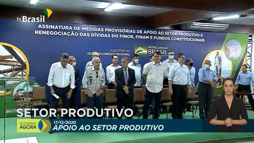 Bolsonaro visita Porto Seguro para assinar medidas provisórias de renegociação de dívidas  — Foto: Reprodução / MDR