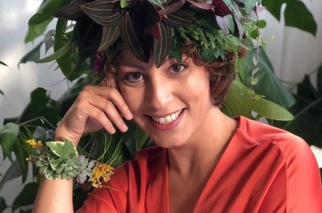 Carol Costa apresentará dois programas vinculados ao GNT (Foto: Reprodução/Minhas plantas)