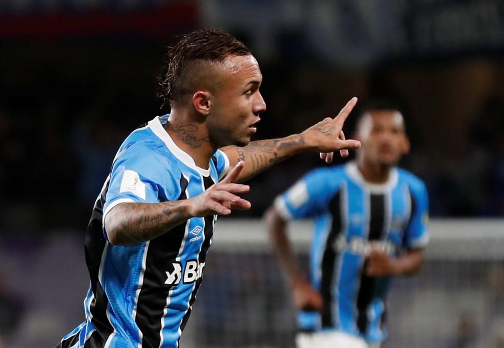Everton fez o gol da classificação diante do Pachuca (Foto: Reuters)