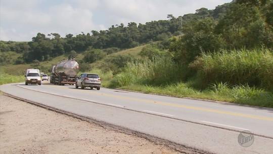 Perigo em curva da rodovia BR-491 preocupa motoristas no Sul de Minas